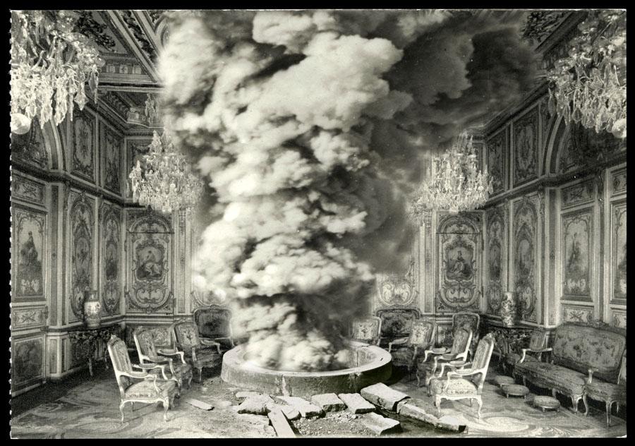 El pozo, el humo y el palacio
